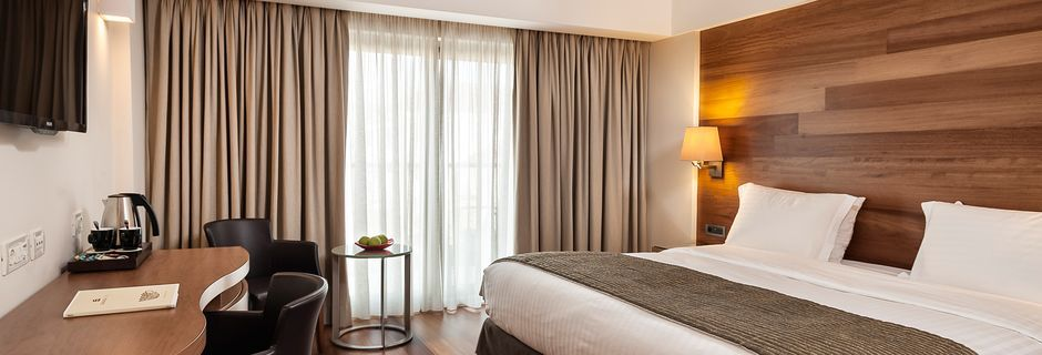 Suurempi kahden hengen huone, Hotelli Samaria, Hanian kaupunki, Kreeta.