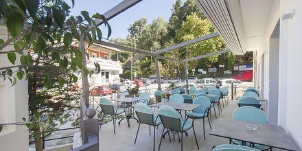 Terassi, hotelli San Nectarinos, Parga.