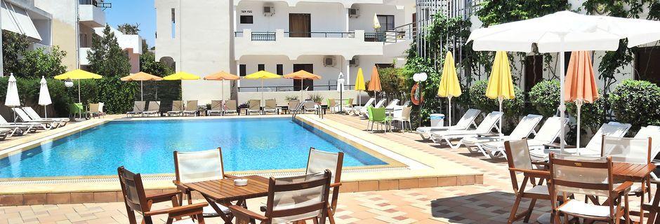 Allasalue, hotelli Santa Marina, Kosin kaupunki.