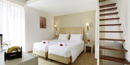 Kaksikerroksinen perhehuone, Hotelli Giannoulis Santa Marina Beach, Agia Marina, Kreeta.