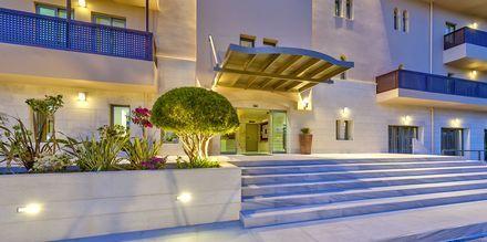 Sisäänkäynti, Hotelli Giannoulis Santa Marina Beach, Agia Marina, Kreeta.