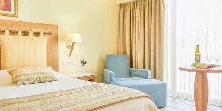 Kahden hengen huone. Hotelli Santa Marina Plaza Giannoulis Hotels, Kreeta, Kreikka.
