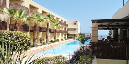 Allas. Hotelli Santa Marina Plaza Giannoulis Hotels, Kreeta, Kreikka.