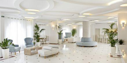 Aula. Hotelli Santorini Palace, Kreikka.