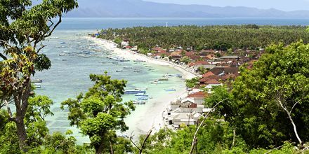 Lembonganin kaunis saari sijaitsee noin puolen tunnin matkan päässä Sanurista.
