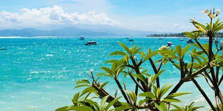 Veneretki kauniille Lembonganin saarelle. Bali, Indonesia.