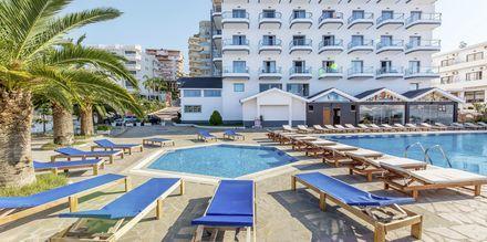 Allasalue. Hotelli Saranda Palace, Albania.