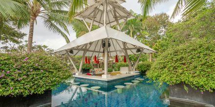 Allasbaari, hotelli Segara Village. Bali, Indonesia.