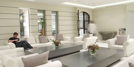 Hotellin aula. Aegean Pearl, Rethymnon, Kreeta.