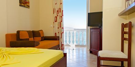 Kahden hengen huone. Hotelli Serxhio, Saranda, Albania.