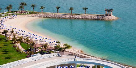 Sheraton Grand Doha Resort sijaitsee Dohan pisimmällä luonnonmukaisella rannalla.