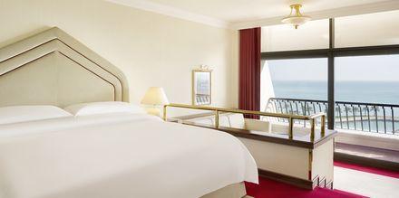 Deluxe-huone. Sheraton Grand Doha Resort, Doha, Qatar.