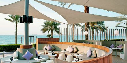 Longebaari Bliss, Hotelli Sheraton Jumeirah Beach Resort, Dubai.