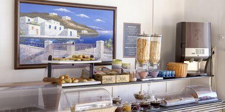Aamiaspöytä. Hotelli Sigalas, Santorini, Kreikka.