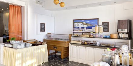Aamiaispöytä. Hotelli Sigalas, Santorini, Kreikka.