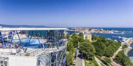 Kattoterassi altaalla, Hotelli Sol Marina Palace, Nessebar, Bulgaria.