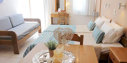 Yksiö/kaksio. Hotelli Sonio Beach, Platanias, Kreeta, Kreikka.