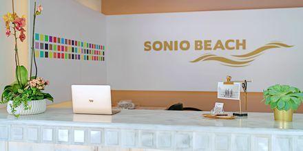 Vastaanotto. Hotelli Sonio Beach, Platanias, Kreeta, Kreikka.