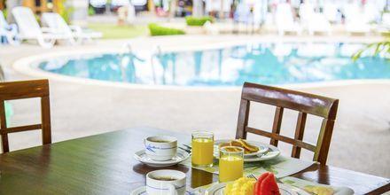 Ravintola, hotelli Southern Lanta Resort, Thaimaa.