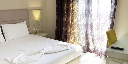 Kahden hengen huone. Hotelli Splendor, Dhermi, Albania.