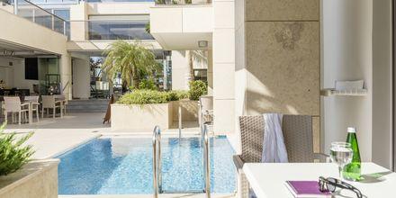Superior-yksiö. Hotelli Summertime, Platanias, Kreeta, Kreikka.