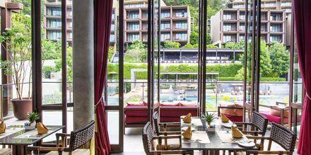 Sip Wine Bar, hotelli Sunsuri Phuket. Nai Harn, Phuket.