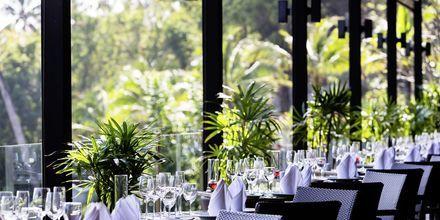 Ravintola Surf Bar, hotelli Sunsuri Phuket. Nai Harn, Phuket.