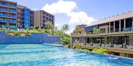 Allas, hotelli Sunsuri Phuket. Nai Harn, Phuket.