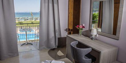 Kahden hengen huone. Hotelli Sunwaves, Vassiliki, Lefkas.
