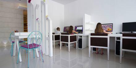 Internetnurkkaus, Hotelli Tamaris, Tucepi, Kroatia.