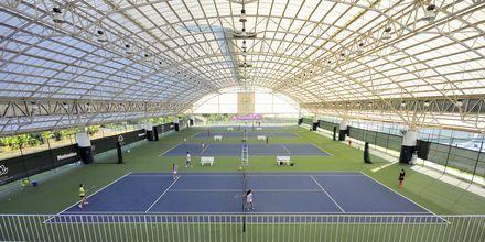 Tenniskentät. Thanyapura Sport & Health Resort, Thalang, Thaimaa.