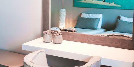 Kahden hengen huone, hotelli The Bay Hotel & Suites. Vasilikos, Zakynthos.