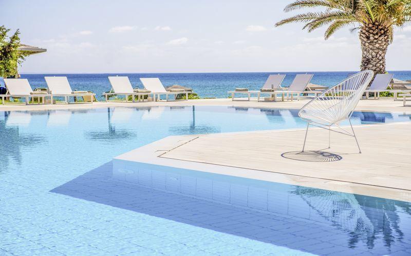Allasalue, hotelli The Bay Hotel & Suites. Vasilikos, Zakynthos.