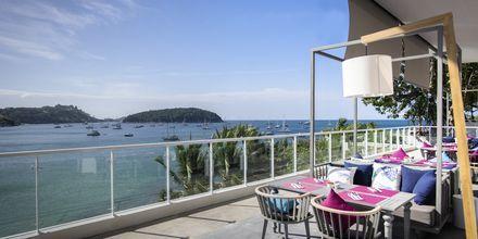 Ravintola Cosmo, hotelli The Nai Harn Phuket, Thaimaa.
