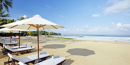Ranta hotellin edustalla, The Surf, Bentota, Sri Lanka.
