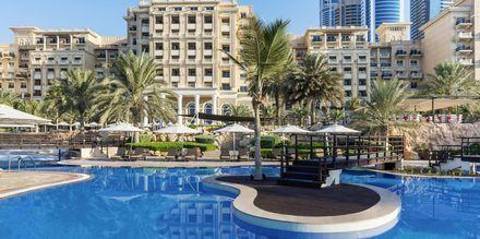Allasalue. Hotelli The Westom Dubai Mina Seyahi. Dubai, Arabiemiraatit.