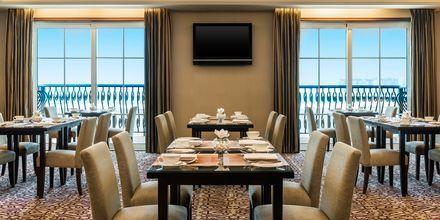Club Lounge. Hotelli The Westom Dubai Mina Seyahi. Dubai, Arabiemiraatit.