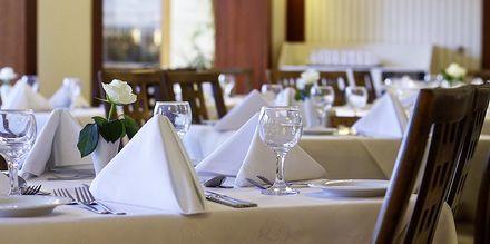 Ravintola Daphne, Hotelli Theartemis Palace, Kreeta, Kreikka.