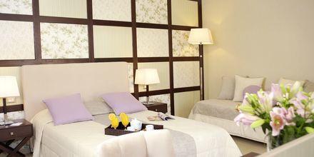 Kahden hengen huone, Hotelli Theartemis Palace, Kreeta, Kreikka.