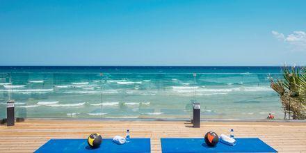 Maksuttomia ryhmäliikuntatunteja. Hotelli Tsilivi Beach, Zakynthos, Kreikka.