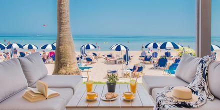 Rantabaari. Hotelli Tsilivi Beach, Zakynthos, Kreikka.