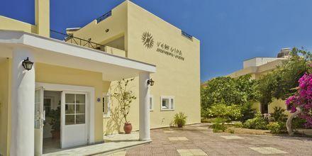 Sisäänkäynti, Hotelli Vergina, Karpathoksen kaupunki, Kreikka.