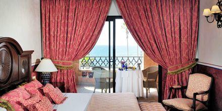 Kahden hengen huone merinäkymällä. Hotelli Villa Cortés, Playa de las Americas, Teneriffa.