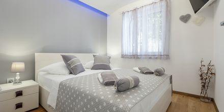 Kaksio. Hotelli Villa David, Podgora, Makarskan Riviera.
