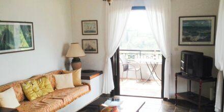 Kolmio, hotelli Villa Heivi. Sivota, Kreikka.
