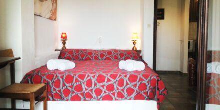 Kaksio, hotelli Villa Heivi. Sivota, Kreikka.