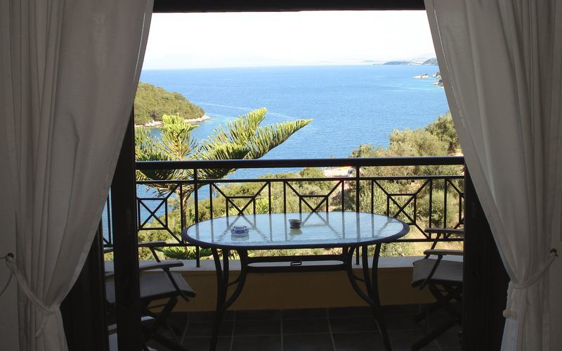 Näkymä hotellin loungesta, hotelli Villa Heivi. Sivota, Kreikka.
