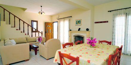 Kolmio. Hotelli Villa Ostria, Leros, Kreikka.