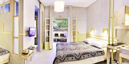 Deluxe -yksiö. Villa Rossa Area Boutique Beach Resort, Parga.
