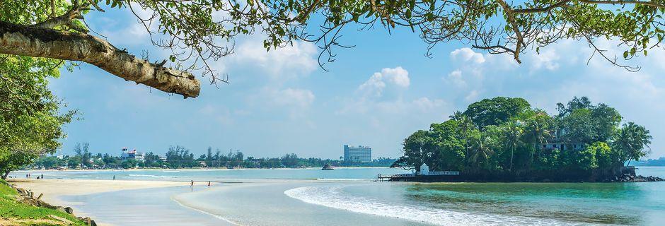 Weligama Bay ja Taprobane Island, joka on tunnettu yksityisomisteinen saari.